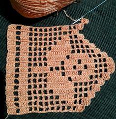 Easiest Crochet Frills Border Ever! Crochet Bib, Easter Crochet, Cotton Crochet, Filet Crochet, Crochet Lace, Crochet Earrings, Knitting Patterns, Crochet Patterns, Crochet Table Runner