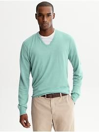 Great color v-neck sweater in big & tall sizes in silk/linen | Banana Republic $69.50