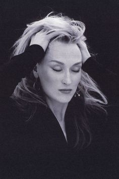 I love Meryl Streep! Meryl Streep by Brigitte Lacombe Brigitte Lacombe, Foto Portrait, Portrait Photography, Katharine Hepburn, Great Women, Best Actress, Famous Faces, Belle Photo, Role Models