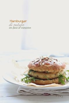 Hamburger di patate con panini al rosmarino