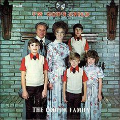 Soy el hijo de Dios, de la Cooper Family. La portada merece una escucha.