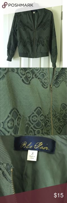 Lace bomber jacket Worn ONCE! Like NEW! Green lace bomber jacket from Francesca's with pockets. Lightweight, perfect for spring, summer and early fall Francesca's Collections Jackets & Coats
