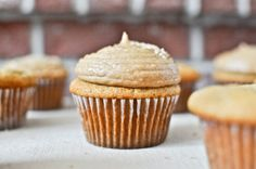 Brown Sugar Cupcakes with Peanut Butter Brown Sugar FrostingI howsweeteats.com