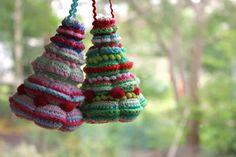 pompoenen haken in verschillende maten, elke pompoen platduwen en alle pompoenen op elkaar naaien