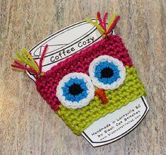 How to Crochet Owl Coffee Cozy - 35 Free Crochet Owl Patterns - Crochet Amigurumi Crochet Coffee Cozy, Crochet Cozy, Crochet Stitch, Crochet Gifts, Cute Crochet, Crochet Yarn, Crochet Owls, Crochet Hearts, Crochet Mandala