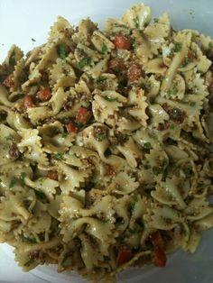 The Motherhood Chronicles: la Madeleine's Bowtie Pasta Salad