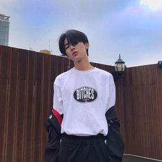 Pict of ulzzang boy. Korean Boys Ulzzang, Cute Korean Boys, Cute Asian Guys, Asian Boys, Ulzzang Girl, Asian Men, Cute Guys, Korean Fashion Men, Fashion Mode