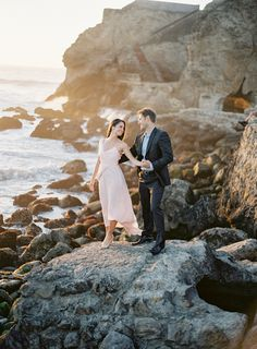 Sutro Baths engagement session, photo by Coco Tran… Engagement Shots, Country Engagement, Engagement Couple, Engagement Pictures, Engagement Photography, Wedding Photography, Engagement Ideas, Fall Engagement, Couple Photography