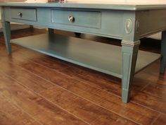 Just love this combination of Annie Sloan colours...Aubosson Blue and Graphite.