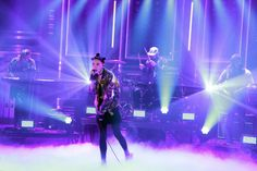 """London-born LA-based singer and songwriter Bishop Briggs made TV debut performing """"River"""" on The Tonight Show Starring Jimmy Fallon. Bishop Briggs, World Wide News, Tonight Show, Jimmy Fallon, Soundtrack, Singer, London, Stars, Tv"""