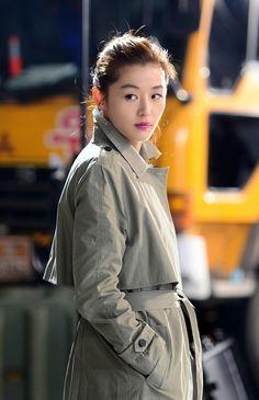 Everyone Wants to Wear What Jun Ji Hyun and Kim Soo Hyun Wear, Product Placement in Dramas Asian Actors, Korean Actresses, Korean Actors, Actors & Actresses, Korean Star, Korean Girl, Korean Beauty, Asian Beauty, Jun Ji Hyun Fashion