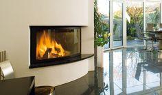 Kamin ELLIPSE Architektonisch besonders interessant ist die elliptische Form dieses Heizeinsatzes. Ellipse verbindet Spitzentechnologie und Ästhetik und ist ideal auch für kleinere Räume. #Fireplace #Kamin #HomeDecoration