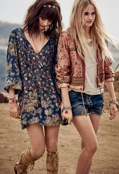 25 High Fashion Summer Outfits for 2019 2019 Boho chic bohemian boho style hippy hippie chic bohème vibe gypsy fashion indie folk the . The post 25 High Fashion Summer Outfits for 2019 2019 appeared first on Denim Diy. Gypsy Style, Boho Gypsy, Hippie Style, Bohemian Style, Boho Chic, Hippie Boho, Hippie Music, Bohemian Outfit, Bohemian Clothing