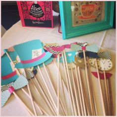 Alice in wonderland baby shower photo props www.leilahscupcake.blogspot.com