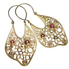 Earrings in silver and gold with specialty gemstone. For a full collection of earrings in silver and gold with gemstones at Athena's Treasures. Greek Jewelry, Jewelry Box, Fine Jewelry, Jewellery, Gold Chandelier, Fantasy Jewelry, Earrings Handmade, 18k Gold, Fashion Jewelry