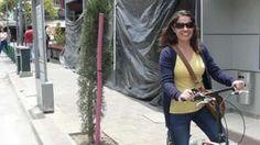 Image copyright                  BBC/Matías Zibell                  Image caption                                      Para Pamela Mendieta, las personas pueden cambiar pero el sistema de gobernanza debe cambiar primero.                                Imagina, lector, que el barrio turístico por excelencia de tu ciudad decide independizarse.  Cansado del olvid
