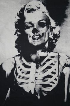 55 Ideas for pop art photography inspiration marilyn monroe Art Beat, Art Pop, Desenho Tattoo, Arte Horror, Norma Jeane, Skull And Bones, Mixing Prints, Skull Art, Skull Icon