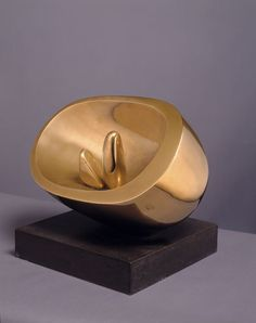 Barbara Hepworth Oval with Two Forms, Polished bronze, 1972