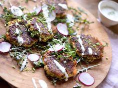 Vegetarkaker med squash og ost Tandoori Chicken, Salmon Burgers, Squash, Pork, Meat, Ethnic Recipes, Kale Stir Fry, Pumpkins, Gourd