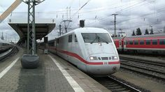 ICE 401 553 in partenza da Nürnberg Hbf - ICE 401 553 leaving Nürnberg Hbf