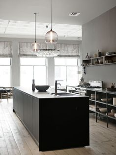 Kitchen in the Soho home of Andrew Corrie and Harriet Maxwell (founders of the furniture and accessories shop Ochre). Photo by Ditte Isager.