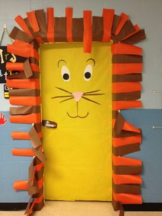 Cute Jungle Animals Decoration For Classroom With DIY Lion Door Decoration Ideas: Tips to Add Jungle Classroom Decorations ~ rudedogdesigns.com Architecture Inspiration