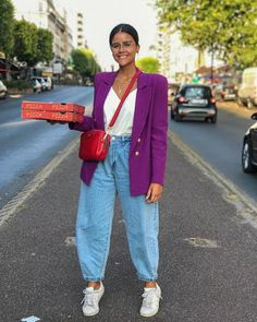 Street Style - Part 1 Milan Fashion Week Spring/Summer 2020 - FunkyForty Outfit Jeans, Slouchy Outfit, Blazer Outfits, Jean Outfits, Casual Outfits, Pantalon Slouchy, Mode Outfits, Fashion Outfits, Slouch Jeans