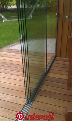 Glasschiebetüren 5 gleisig mit Aluminium Bodenschiene Glass sliding doors 5 tracks from Sunflex! The sliding glass doors can be used both outdoors and indoors. The doors for patio glazing and summer gardens are popular!