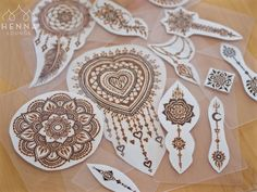 Having entirely too much fun with my laminator. Getting these pieces protected so I can take them to festivals and parties. A couple of these pieces were inspired by @hennatrails and @heartfirehenna #henna #mehndi #hennaparty #mandala #hennaheart #dreamcatcher #hennasf #sfhenna #bayareahenna #hennamexico #mexicomehndi #hennasupplies #hennasupplier #naturalhenna #artonpaper #ocd #laminateallthethings #laminatrix #gorimehndiwali