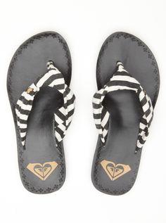 roxy Roxy Shoes, Cute Shoes, Me Too Shoes, Roxy Surf, Shoe Boots, Shoes Sandals, Beach Sandals, Flats, Flip Flop Sandals