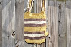 Kankuamo Mochilas made by Kankuamo women from Colombia. Made of hemp dyed with natural juices of plants and fruits. Handmade Bags, Sustainable Fashion, Hemp, Pouch, Reusable Tote Bags, Boutique, Pattern, Juices, Color
