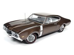 1:18 1968 Oldsmobile Cutlass 442 Hardtop Cinnamon Bronze Poly Autoworld AMM1084