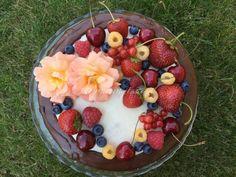 Lekki tort owocowy