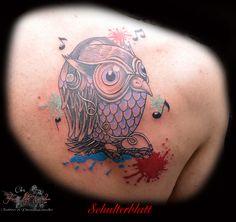 Schulterblatt #tattoorosenheim #tattoochris #christattoo #forlifecolor #tattooraubling #eule #ink #instatattoo #farbspritzer #comic #blackandgrey #rosenheim #raubling #christattoo #tattooraubling #tattoo #tattoos #liked #tattoolife #tattoolovers #tattooart #tattooed #artistchris #artist #colortattoo