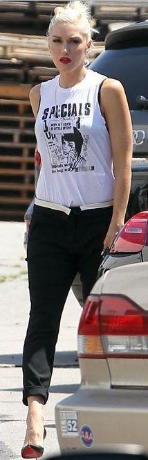 Gwen Stefani - http://outfitidentifier.com/?p=106551#