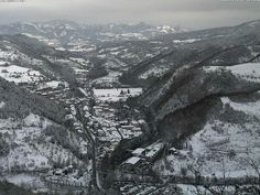 Twitter / @TurismoER: Panorama su Bagno di Romagna innevata by @meteobellaria