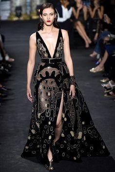 Elie Saab Haute Couture - Pasarela | Galería de fotos 4 de 57 | VOGUE