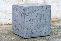 CUBOTTO CEMENT stool in resin