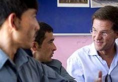 1-Jun-2013 20:29 - RUTTE BRENGT LAATSTE BEZOEK AAN AFGHANISTAN. Premier Mark Rutte bracht vandaag een laatste verrassingsbezoek aan de Afghaanse provincie Kunduz. Nederland trekt zich terug uit Afghanistan. De…...