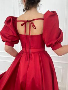 Simple Dresses, Pretty Dresses, Beautiful Dresses, Casual Dresses, Ball Gown Dresses, Evening Dresses, Princes Dress, Met Gala Outfits, Quince Dresses