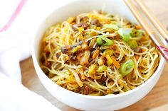 Pumpkin Rice Noodles - delicious rice noodles stir-fried with ground pork and pumpkin. This amazing Taiwanese noodles is very easy to make at home   rasamalaysia.com