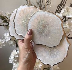 functional art Gold white resin coaster set Tools Every Do-It-Yourself Landscaper Needs Article Body Epoxy Resin Art, Diy Resin Art, Diy Resin Crafts, Diy Crafts To Sell, Home Crafts, Arts And Crafts, Stick Crafts, Diy Resin Coasters, White Coasters