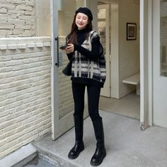 Korean Fashion Shorts, Frocks And Gowns, Mix Style, Asian Style, Winter Outfits, Girl Fashion, Hipster, Clothes, Style