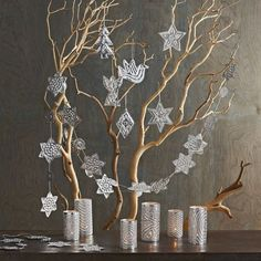 10 Easy-to-make DIY Christmas Décor Ideas to Create a Festive Ambience on a Budget