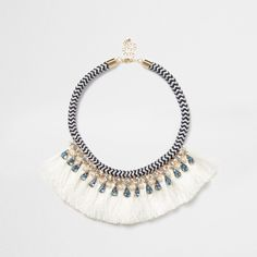 Blue statement rope necklace ($31) ❤ liked on Polyvore featuring jewelry, necklaces, blue statement necklaces, statement bib necklace, fringe tassel necklace, blue jewelry and rope jewelry