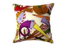 他にはないフォルナセッティとジムトンプソンのヴィンテージ生地クッション #クッション #クッションカバー #ピエロフォルナセッティ #fornasetti #vintage #ヴィンテージ #cushion #cushioncover #pillow