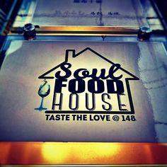 ソウルフードハウス 同僚の知り合いがやってるレストラン  オープンでフレンドリーな接客とオシャレでゆったりした雰囲気の中スパイシーなアメリカ南部料理が楽しめます  #soul #food #house #roppongi #america #hot #spicy #insta #like #follow #yummy