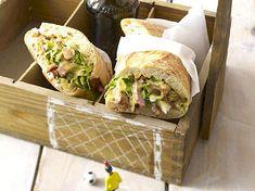 Schweini-Stullen zum Anpfiff Rezept Sandwiches, Tacos, Mexican, Favorite Recipes, Party, Ethnic Recipes, Burger, Soccer, Challenges