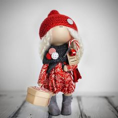 """""""Пришла долгожданная пора новогодних кукол! Эту гномочку, а так же еще 15 потрясающих призов получат победители нашего новогоднего марафона…"""""""