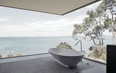 Bath tub with view!